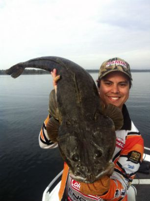 Releasing 'trophy' sized flathead ensures the sustainability of recreational fishing in Lake Macquarie.