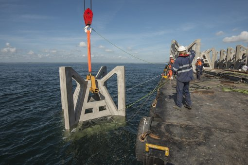 The deployment of the Shoalhaven offshore artificial reef