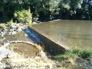 The Stroud Weir prior to works beginning