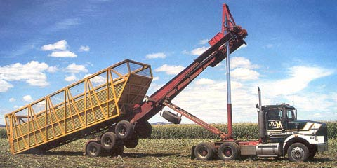 Bulk handling equipment for transporting the sweet corn harvest