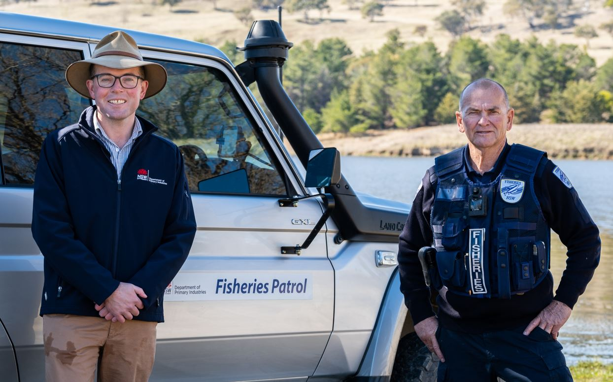 Minister for Agriculture Adam Marshall (left) with Acting District Fisheries Officer Ron Smith